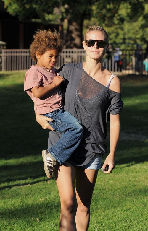 Heidi Klum a.k.a. Mama Samuel (her son with husband Seal)