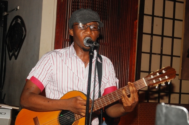Bez performed his soulful 'Zuciya Daya' and 'Stop Pretending'...